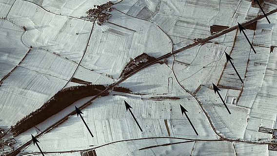 Luftbildaufnahme des Karlsgrabens im Winter