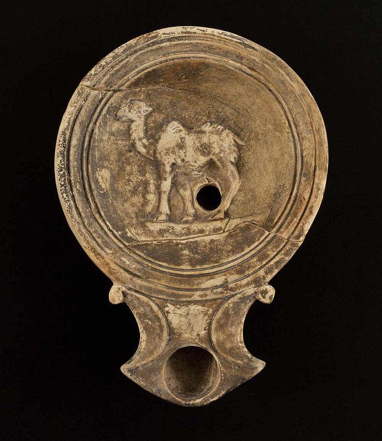 Öllampe mit Kameldarstellung aus Vindonissa