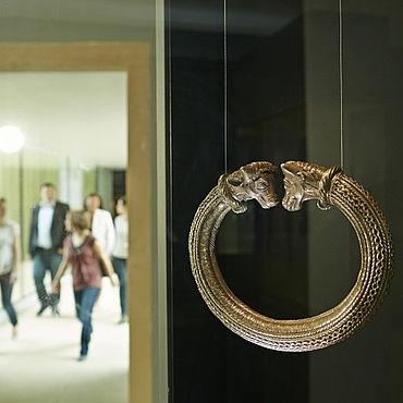 Keltischer Schmuck im Museum. Bild: Landesmuseum Württemberg