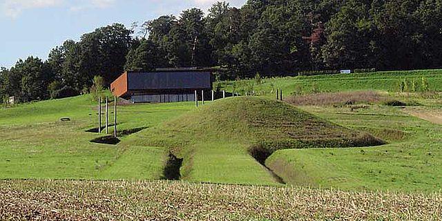 Grabhügel 1 und Museum am Glauberg