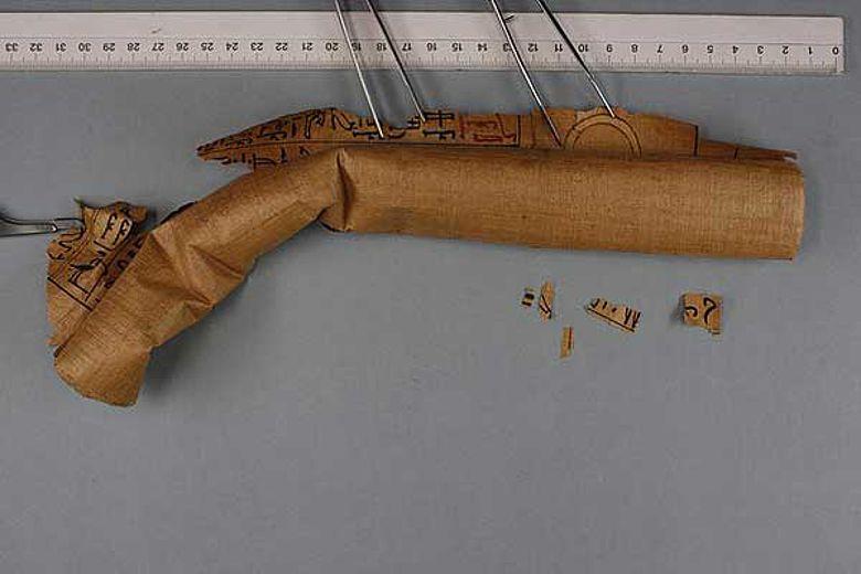 3500 Jahre alter ägyptischer Totenbuch-Papyrus