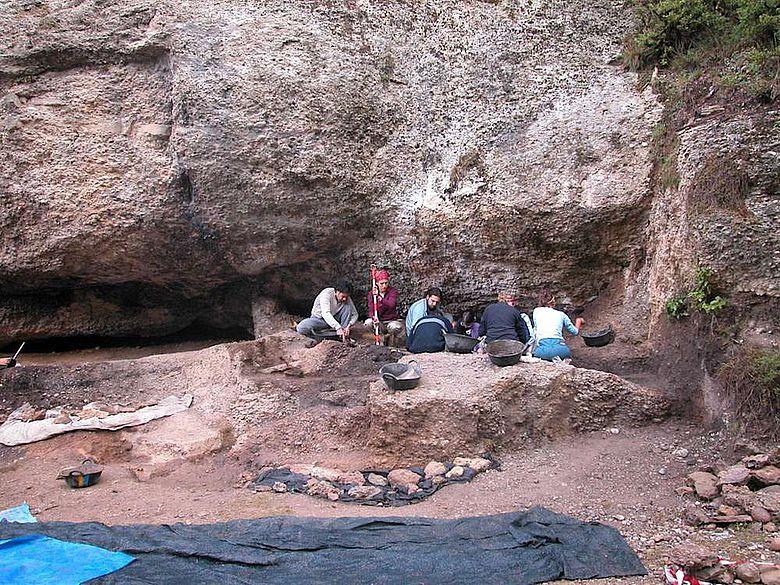Ausgrabungsarbeiten auf dem Gelände von Balma Guilanyà