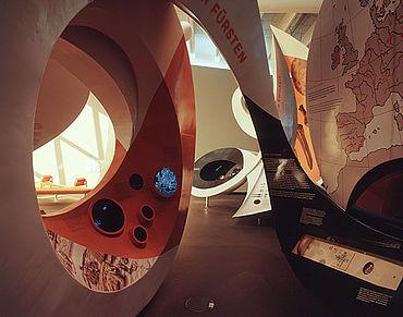 Großskulpturen in der Arche Nebra