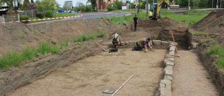 Blick auf die Grabungsfläche in Zeutsch