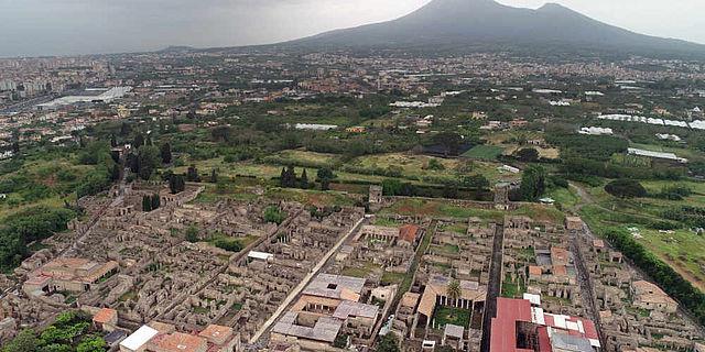 Pompeji mit Blick zum Vesuv