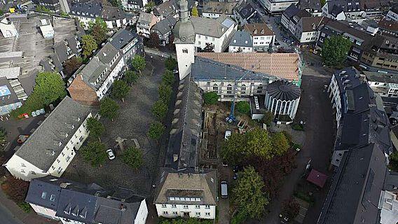Blick auf die ehemalige Klosterkirche St. Walburga von Süden
