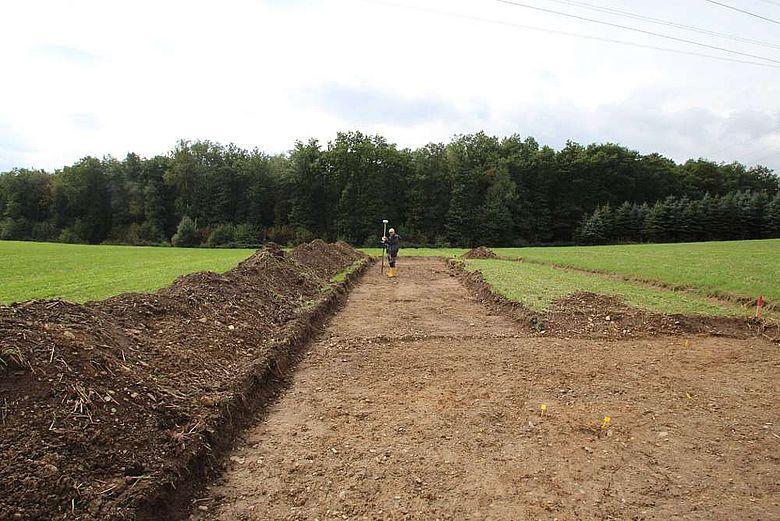 Die Suchschnitte, die im September auf der Fundstelle in Netphen angelegt wurden, haben keinerlei Hinweise auf eine feste Ansiedlung erbracht. (Foto: LWL/M. Zeiler)
