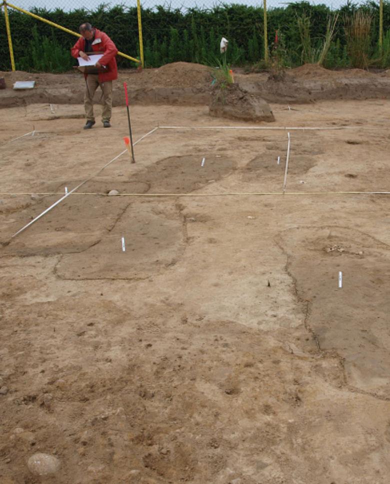 Grabgruben auf dem slawischen Gräberfeld von Ribbeck (Foto: D. Megel, ABD Dressler)