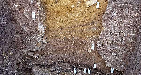 Neolithischer Feuersteinbergbau