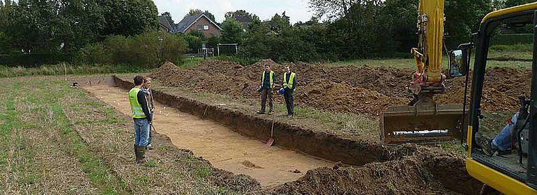 Bei Grabungsbeginn in Geseke vermuteten die Wissenschaftler noch eine mittelalterliche Siedlung zu finden - und wurden von einer viel älteren, eisenzeitlichen Siedlung überrascht. (Foto: LWL/M.Baales)