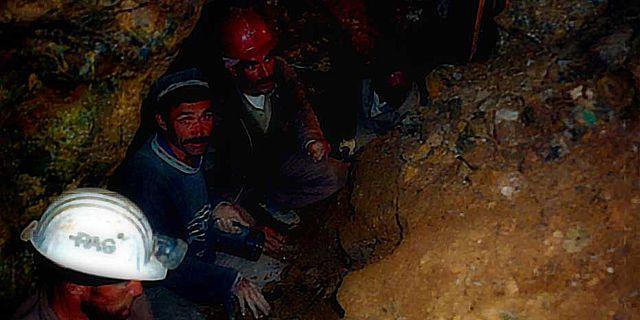Prähistorischer Bergbau auf Zinn und »Bronze« in Mittelasien