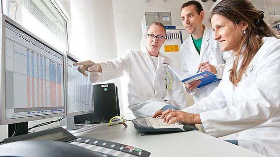 Prof. Barabara Burwinkel, Dr. Harald Surowy und Dr. Andrey Turchinovich