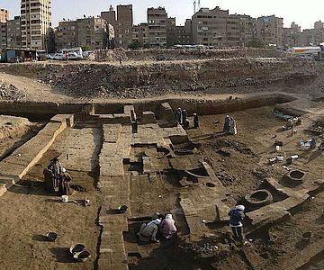 Blick auf das Grabungsgelände von Heliopolis