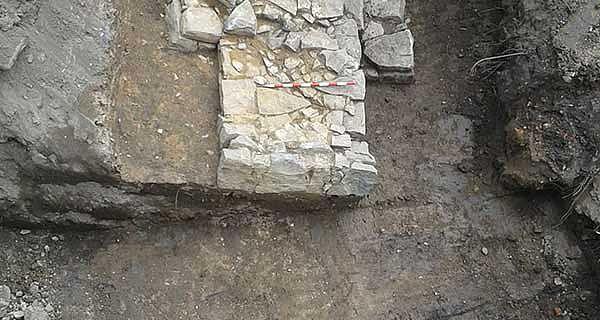 Mittelalterliche Mauerbefunde
