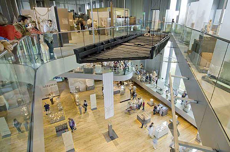 Reizvolle Perspektiven im LVR-RömerMuseum. (Foto: Axel Thünker DGPh)