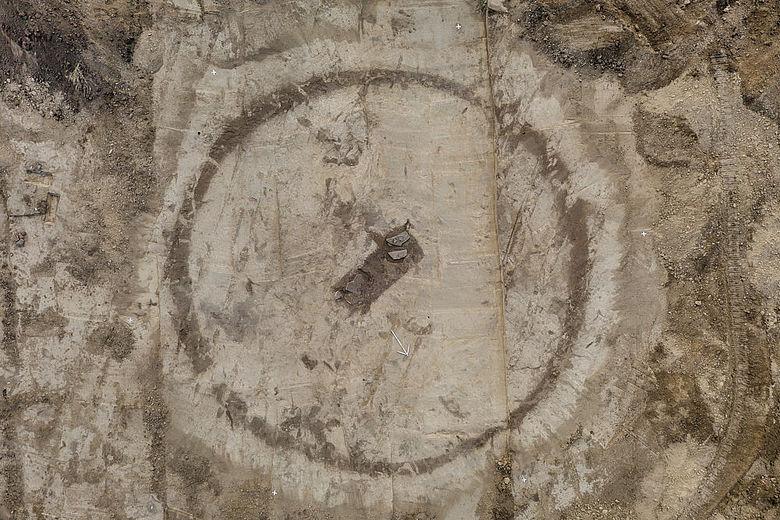 Kreisgraben mit Zentralbestattung