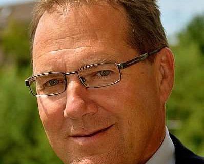 Der Leiter des Pfahlbaumuseums Gunter Schöbel (© Pfahlbaumuseum Unteruhldingen)