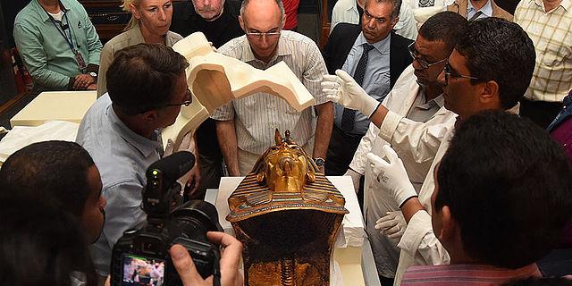 Transport der Totenmaske des Tutanchamun