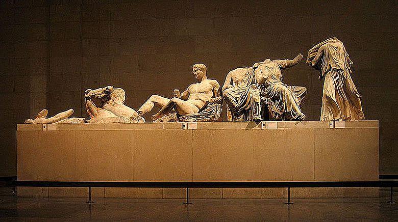 Statuen aus dem Ostgiebel (Foto: Solipsist; CC)