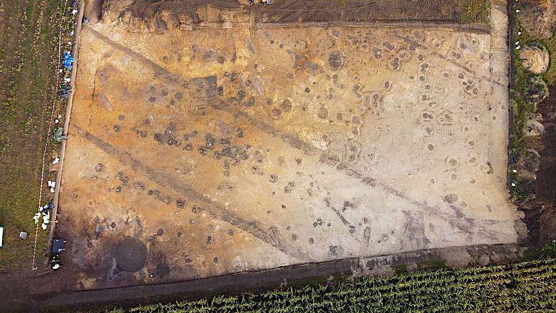 Ein Drohnenfoto von der Grabungsfläche