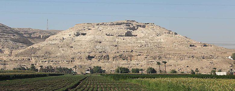 Ansicht des Gebel Assiut al-gharbi