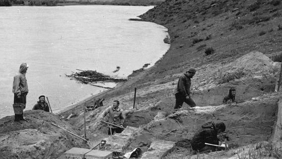 Ausgrabung am Fundort Stätte Ust'-Kyakhta-3 am rechten Ufer des Selenga-Flusses in der Nähe des Dorfes Ust-Kyakhta