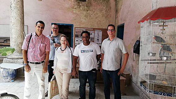 Sergio Raymant Arencibia Iglesias (v.l.), John Hindmarch, Mona Hess, Giordano Bruno Sanchez Nuñez, und Till Sonnemann