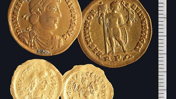 Goldmünzen aus Hortfund