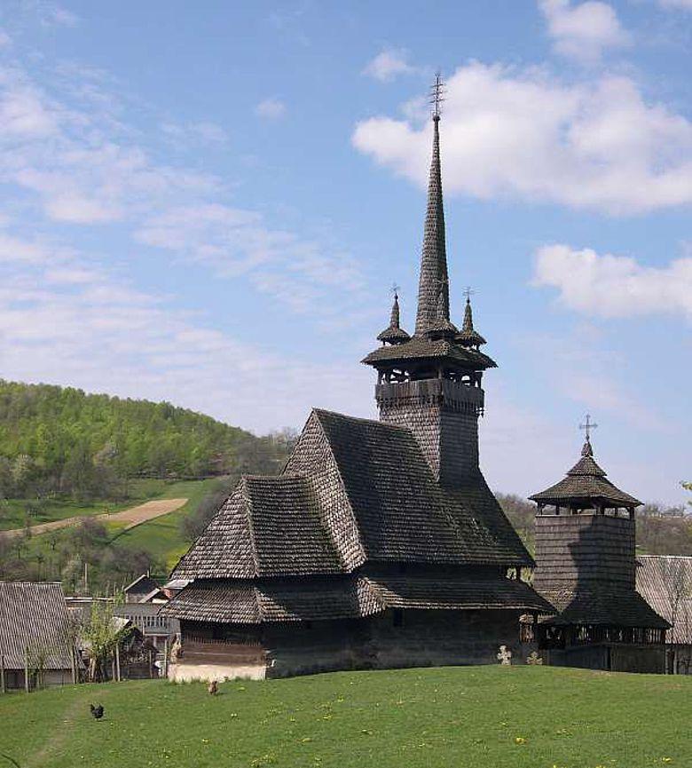 Hl. Paraskewa in Oleksandrivka, Ukraine; Beispiel für Typus der Maramuresch-Kirchen im Südwesten der ukrainischen Karpaten (Foto: Andrij Kutnyi/TU München)
