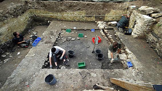 Ausgrabungen am Nordflügel der Kaiserpfalz Ingelheim (© Kaiserpfalz Ingelheim)
