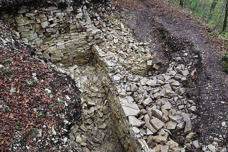 Keltische Befestigungsmauer bei Langenenslingen