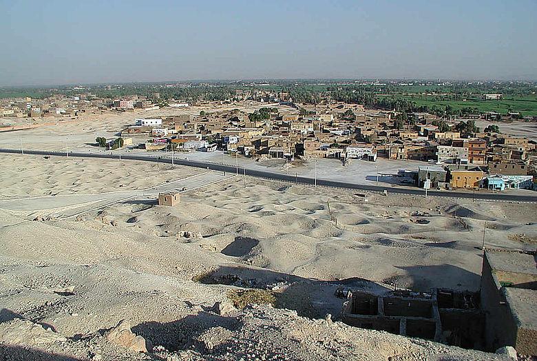 Grabungsfläche bei Luxor