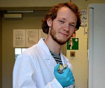 Dr. Frido Welker