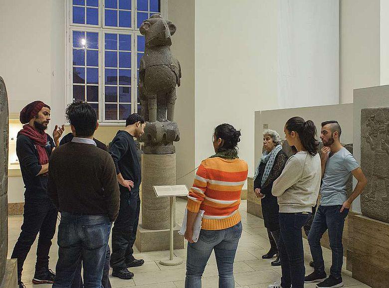 "Teilnehmer des Museumsguide-Projekts ""Multaka"""
