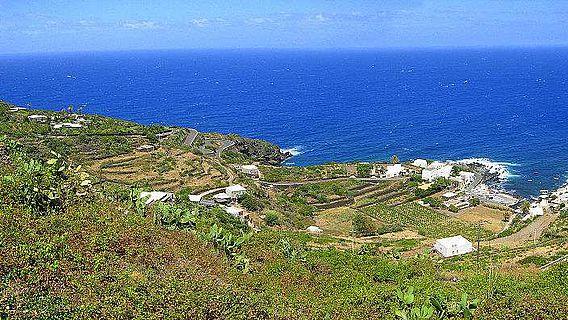 Vor der zwischen Tunesien und Sizilien gelegenen Insel Pantelleria wurde ein Münzschatz aus Bronzemünzen aus dem 3. Jh. v, Chr. geborgen (Foto: Goldmund100 [CC BY-SA 3.0])