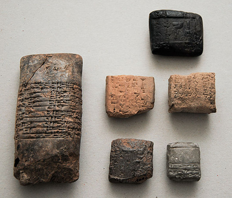 Tontafeln mit Keilschrifttexten