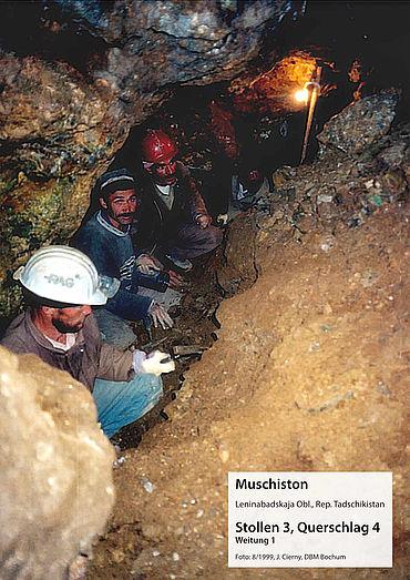 Ausgrabung im Zinnbergwerk