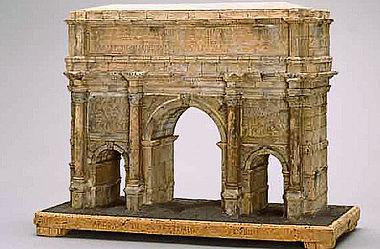 Abb. 5| Korkmodell Septimius-Severus-Bogen Vorderseite; © Museumslandschaft Hessen Kassel, Antikensammlung