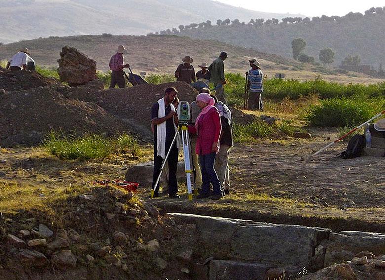 Tunesische Archäologen