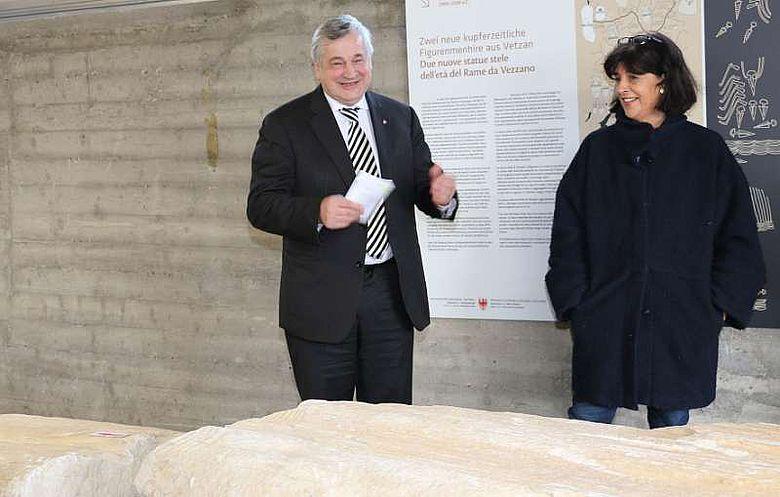 LR Mussner und die Archäologin Marzoli