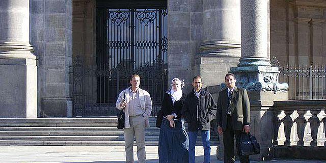 Stipendiaten des DAI Kairo vor dem Berliner Dom (Foto: DAI)