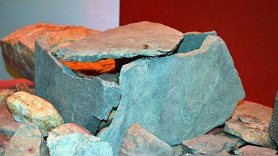 Nachbau eines Steinofens vom Fundplatz Gönnersdorf