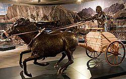 Nachbau eines der ältesten bekannten bronzezeitlichen Streitwagens (Foto: Th. Rabsilber, DBM)