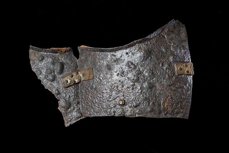 Restaurierte Platte aus dem Schulterbereich