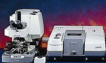Abb. 5a Infrarot-Mikroskop (Firma Thermo Fisher Scientific, mit freundlicher Genehmigung)