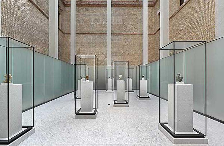"""Raum """"Unter Atons Strahlen"""" (© Staatliche Museen zu Berlin, Foto: Achim Kleuker)"""