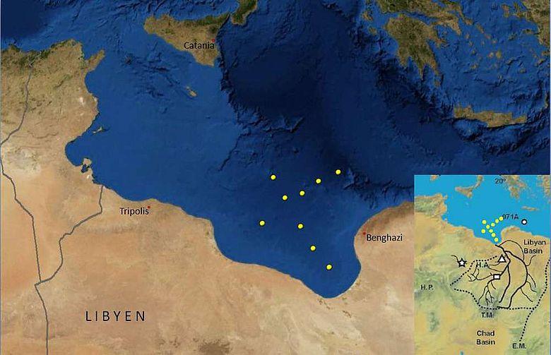 Lage der 9 Kernstationen in der großen Syrte vor Libyen, kleine Karte zeigt vermutete Flusssysteme in der nördlichen Sahara (Grafik: IFM-GEOMAR)