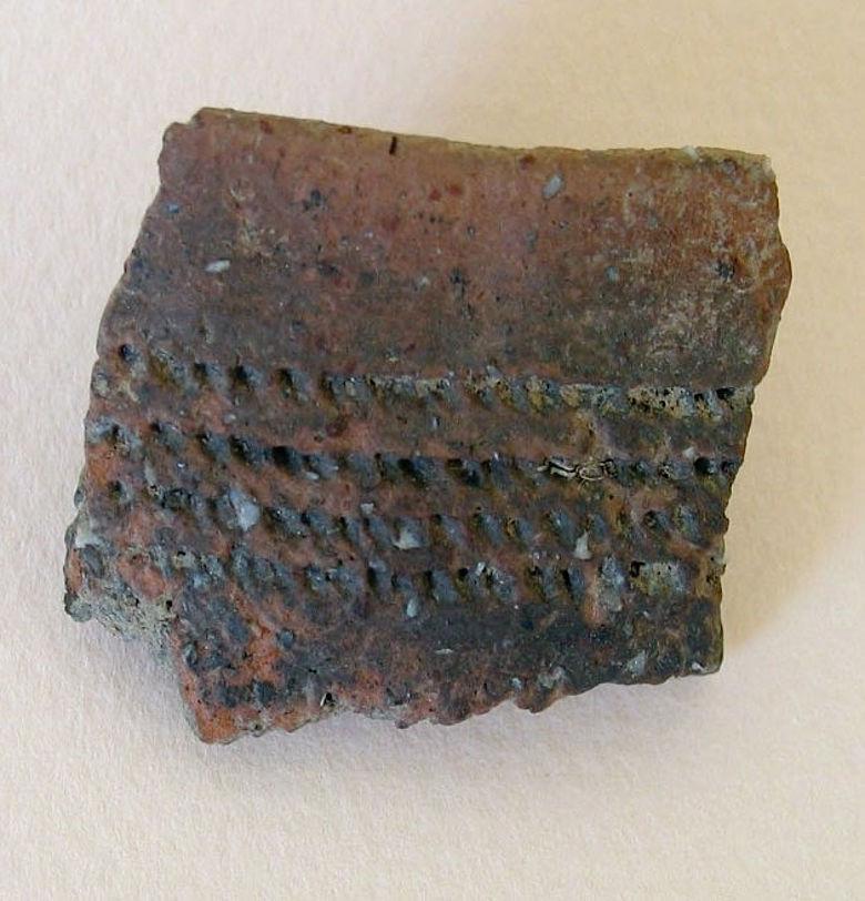 Scherbe eines ungefähr 5.000 Jahre alten Gefäßes
