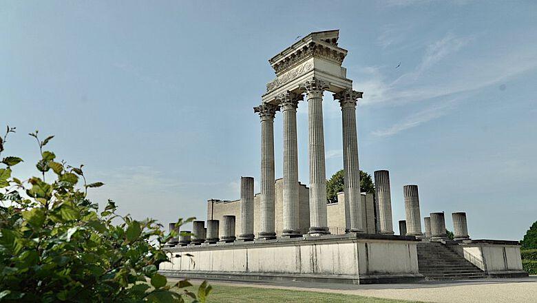 Rekonstruktion des Hafentempels der Colonia Ulpia Traiana im Archäologischen Park Xanten