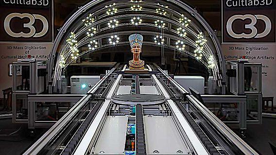 Nofretete im 3D-Scanner